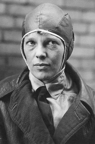 396px-Amelia_Earhart_1928